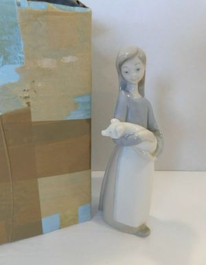 Lladro #1011 Girl W/ Pig Figurine Artist Fulgencio Garcia Retired 2001 with box for Sale in Covina, CA