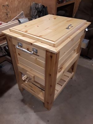 Handcrafted Pine wood cooler for Sale in Baxter, MN