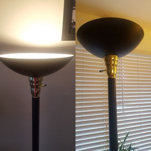 Floor lamp for Sale in West Hollywood, CA