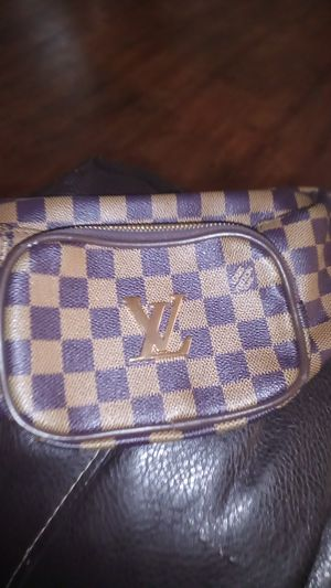 Louis Vuitton fanny pack bag for Sale in Columbus, OH
