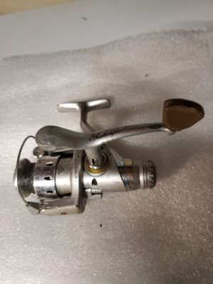 Shakespeare 5 bearing system Fishing Reel for Sale in Hales Corners, WI