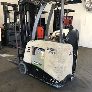 Crown RC Stand Up End Control Forklift for Sale in La Verne, CA