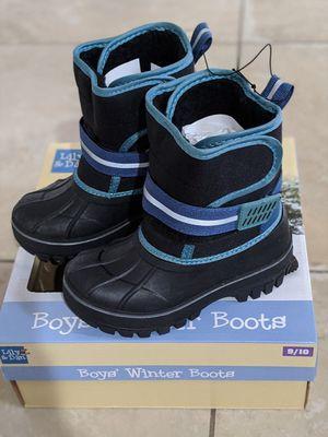 Boys winter boots size 9/10 for Sale in San Bernardino, CA