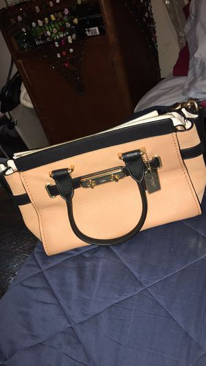 NWT Coach bag MINT CONDITION for Sale in St. Louis, MO