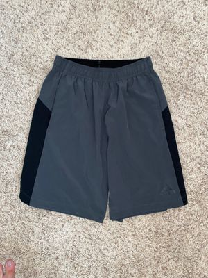 Men's Adidas Shorts Size Medium for Sale in Clovis, CA