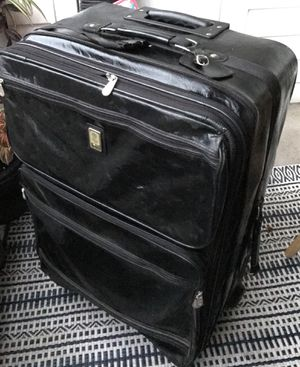 Bill Blass Leather Suitcase for Sale in Ashburn, VA