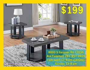 nice three pieces coffee table set for Sale in Houston, TX