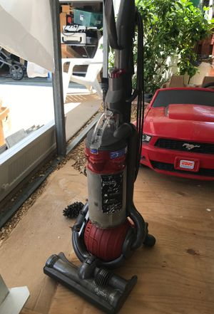 Dyson DC25 Vacuum Cleaner for Sale in Hobe Sound, FL