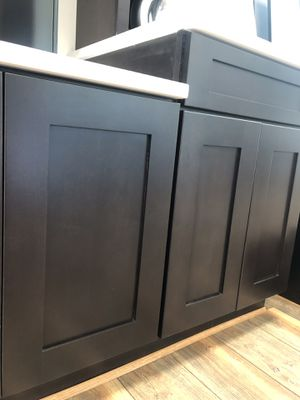 %100 Plywood Kitchen Cabinets !!! for Sale in Hanover Park, IL