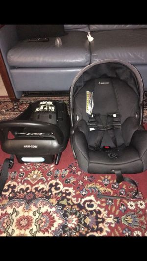 Car seat for baby and toddler maxi cozi for Sale in Alexandria, VA