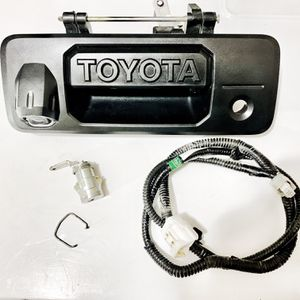 TOYOTA 14-20 TUNDRA 16-20 TACOMA TAILGATE HANDLE ASSY OEM 69090-0C091 W/ CAMERA for Sale in Fort Worth, TX