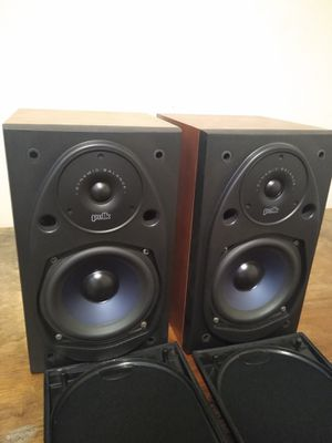 Polk Audio RTI Bookshelf Speakers Cherry finish for Sale in Rockville, MD