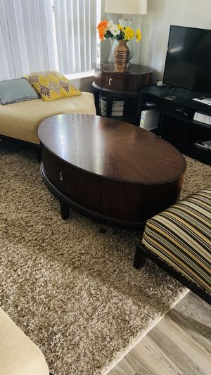 Living Room Set for Sale in North Lauderdale, FL