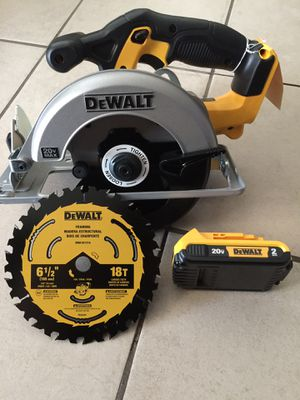 Dewalt Circular Saw with battery only. 20v. $120 Pick Up In the city of Van Nuys for Sale in Los Angeles, CA