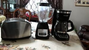 Toaster , coffeemaker and blender for Sale in Fresno, CA