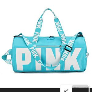 PINK Gym Bag for Sale in Lexington, TN