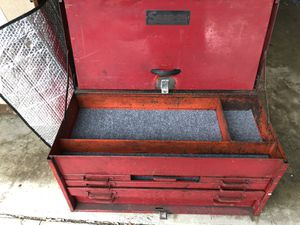 SNAP-ON 6 DRAWERS TOP COMPARTMENT TOOL BOX for Sale in Los Alamitos, CA