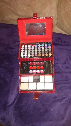 Makeup kit for Sale in Columbus, OH