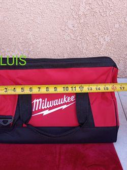 MILWAUKEE BAG PRECIO FIRME $10 for Sale in Bell Gardens,  CA