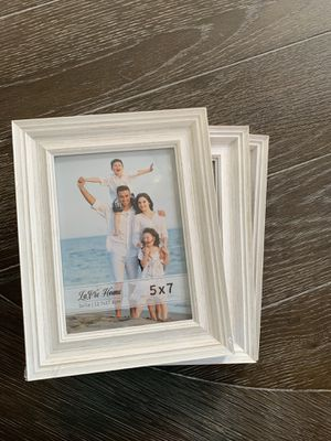 Wooden framed picture frame (3) for Sale in Covington, WA