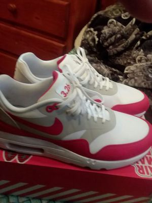 Nike Air max anniversary red size 11.5 worn 3times for Sale in Santa Monica, CA