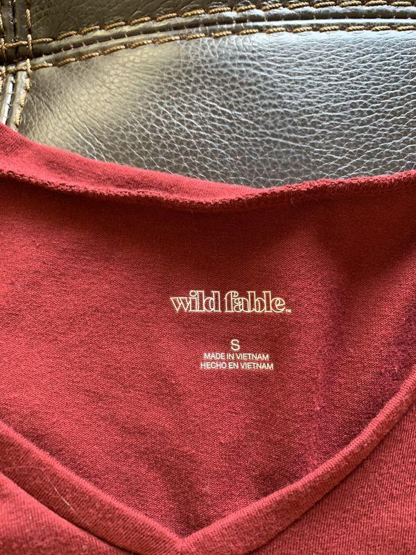 Wild Fable Short Sleeve V-Neck Cropped Shirt