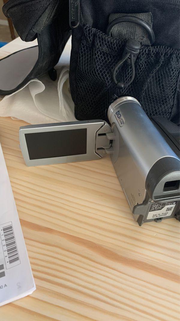 Digital video camcorder SDcard/ tapes