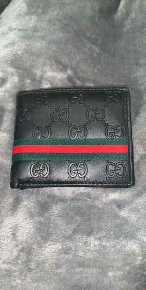 Gucci wallet for Sale in Seattle, WA