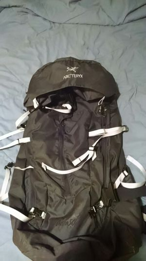 ARC'TEYRX ahra50 hiking backpack for Sale in Wilbraham, MA