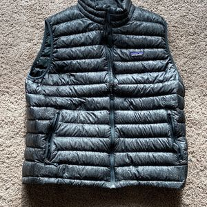 Men's Patagonia Tree Print Quilted Puffy Vest for Sale in Carlton, OR