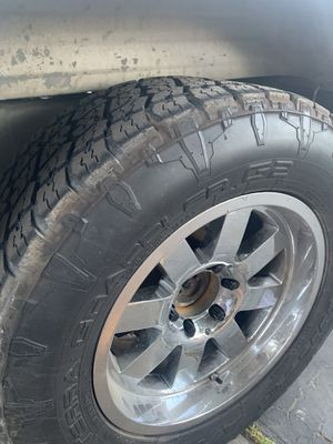 Moto Metal 18x10 Chevy 6 lug FOR TRADE for Sale in Sanger, CA