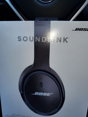 Bose wireless headphones for Sale in Westwood, MA