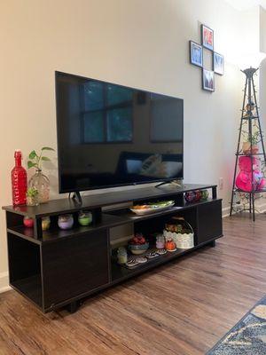 """TCL 49"""" 4K smart Roku TV for Sale in Bayonne, NJ"""