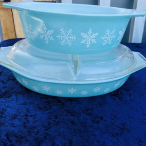 VINTAGE PYREX SNOWFLAKE' CASSEROLE DISHES for Sale in Oceanside, CA