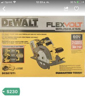 Tengo nuevas herramientas DEWALT FLEXVOLT 60-Volt MAX Lithium-Ion Cordless Brushless 7-1/4 in. Circular Saw with Battery Saw with 6AH flexvolt batter for Sale in Ruckersville, VA