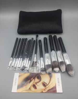 15 Makeup brushes Baujoy for Sale in Anaheim, CA