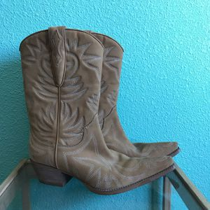 Guess Western Boot - size 6.5 for Sale in Fort McDowell, AZ