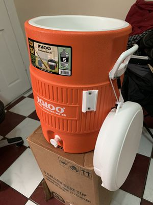 Igloo 5 -Gal new for Sale in South Gate, CA