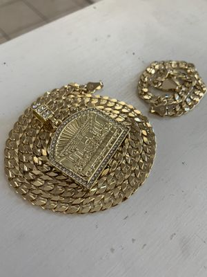14k gold cuban set with last supper charm for Sale in Tampa, FL
