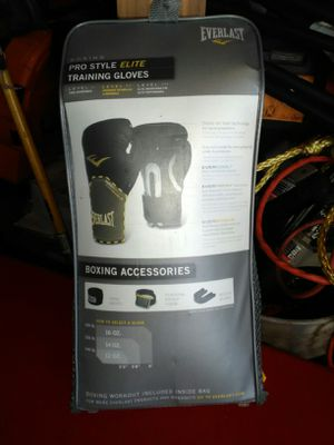 Everlast prostyle elite 16 oz. Training gloves and accessories for Sale in Melbourne, FL