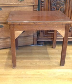 Small antique table for Sale in Cleveland, OH