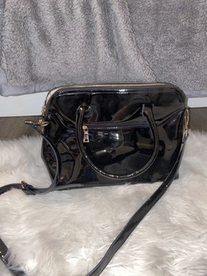BLACK PATENT LEATHER PURSE for Sale in Rancho Cucamonga, CA