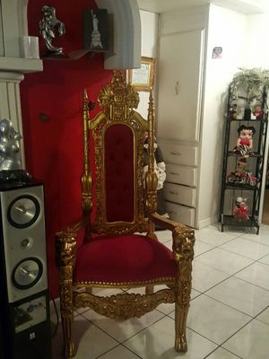 King chair for Sale in Orlando, FL