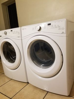 WHIRLPOOL DUET WASHER AND ELECTRIC STEAM DRYER for Sale in Glendale, AZ