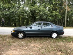 1996 Honda Accord 4cyl 5spd 35MPG for Sale in Marietta, GA