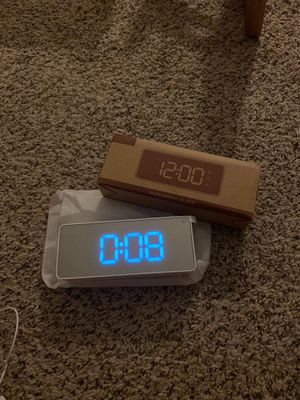Electronic clock for Sale in Rancho Cucamonga, CA