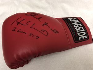 Signed Evander Holyfield boxing glove with COA for Sale in Orlando, FL