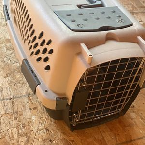 Small Dog/Cat kennel for Sale in Herald, CA