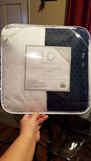 HD DESING BLANKET DOUBLE KNIT REBERSING TO FAUX FUR for Sale in Aurora, OR