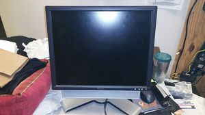 Computer monitor Dell for Sale in Glenarden, MD